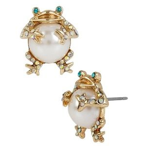 Betsey Johnson Pearl Critters Crystal Frog Earring